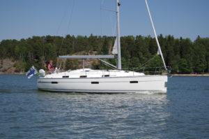 Bavaria 36 Cruiser, Farr design -13