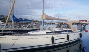 Dufour 380 Grand Large -13  Finland