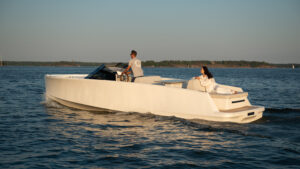Q30 -17 Electric boat  Finland